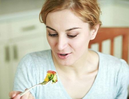 Bị viêm đại tràng nên ăn gì và kiêng gì