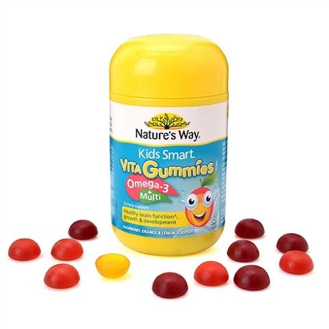 Không cho bé dưới 2 tuổi nhai kẹo dẻo kid smart vita gummies omega 3