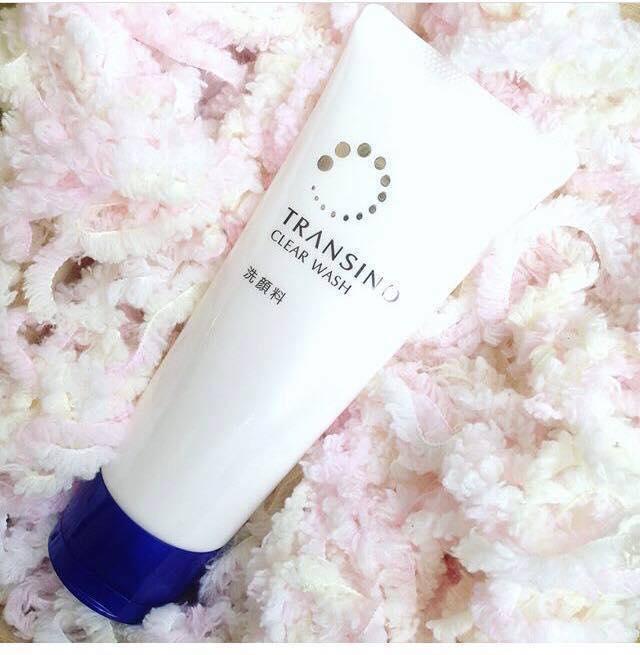 sữa rửa mặt trắng da Nhật Bản Transino Clear Wash với công thức làm sạch sâu dưới cùng lỗ chân lông