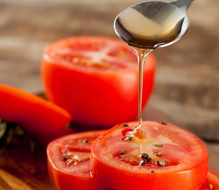Mặt nạ mật ong cà chua - cách chữa da mặt bị nám hiệu quả bất ngờ