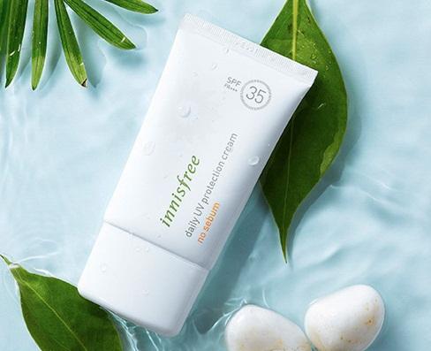 Innisfree Daily UV Protection Cream No Sebum được nhiều chị em tin dùng