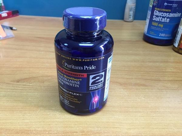 Triple strength glucosamine bổ trợ sụn khớp và ngăn ngừa khô cứng khớp
