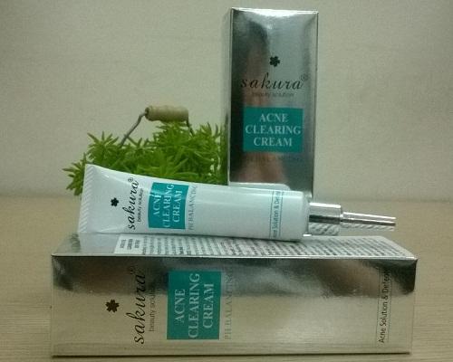 sakura acne clearing cream làm giảm và đánh bay mụn nhọt trên da