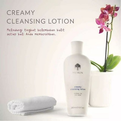 Sữa rửa mặt Nuskin Creamy Cleansing Lotion