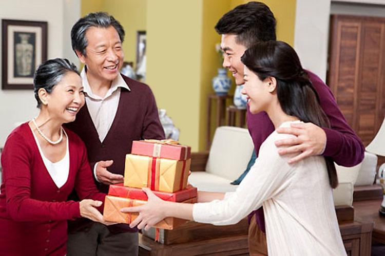 Bộ quà tặng hắc sâm – hồng sâm củ khô Hàn Quốc ý nghĩa