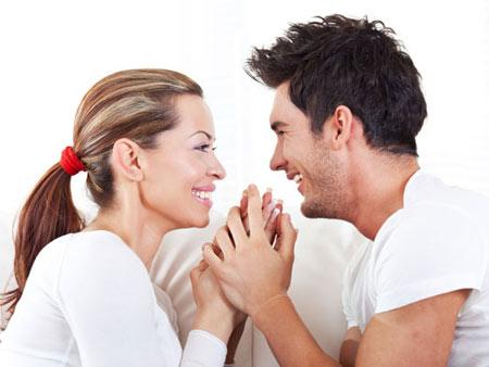 Trò chuyện với nhau là việc nên làm sau khi quan hệ