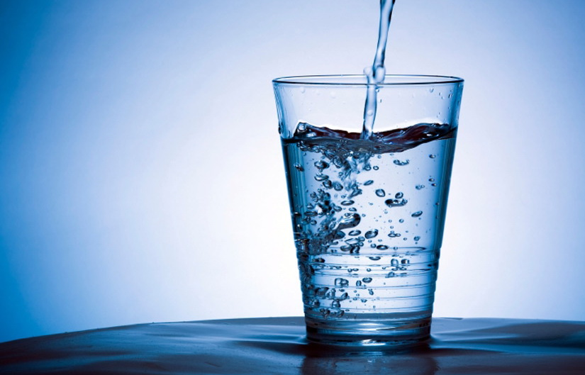 Học người Nhật bí quyết uống nước khi đói để chữa bệnh